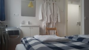 Kamer type 2 - K2 wastafel - Bed and Breakfast Den Bosch